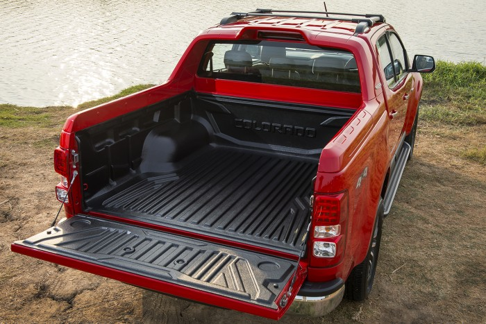 2017 Chevrolet Colorado High Country_load bed